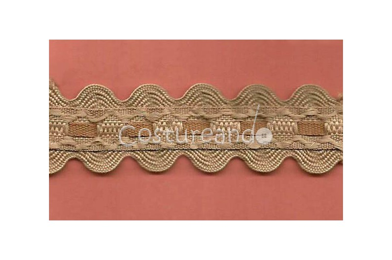 RIC RAC RIBBON COVER SEWING 002