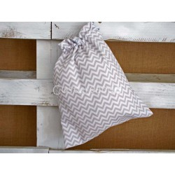 GREY ZIG ZAG CLOTHES BAG