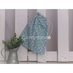 WHITE LINEN CLOTHES BAG WHITH GREEN STARS