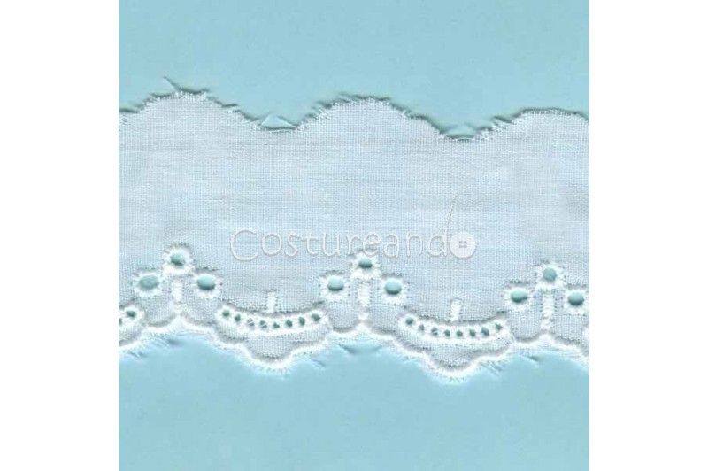 LIGHT CREAM / WHITE  EYELET EMBRODERY  LACE 020