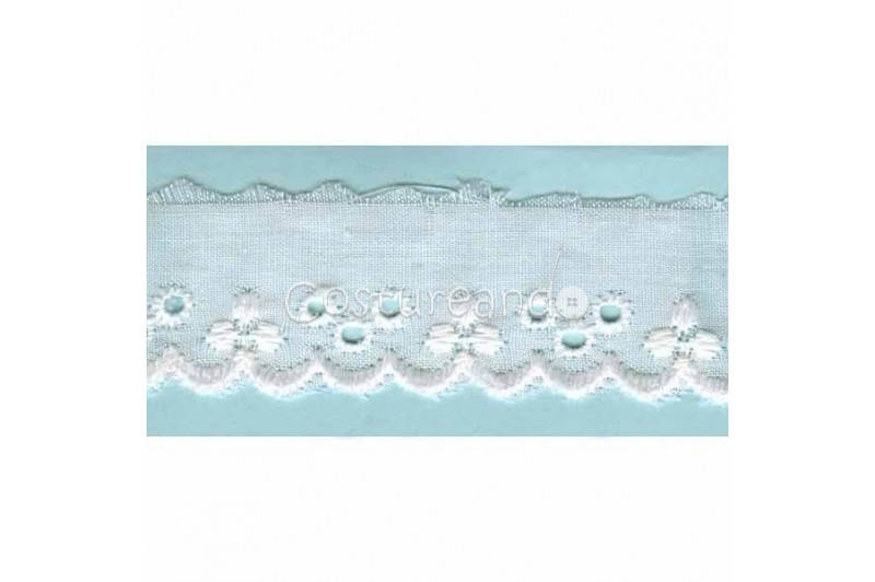 LIGHT CREAM / WHITE  EYELET EMBRODERY  LACE 033