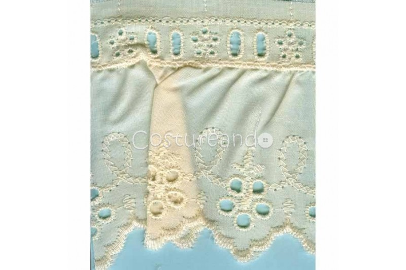 LIGHT CREAM / WHITE  RUFFLED EYELET EMBRODERY LACE 008