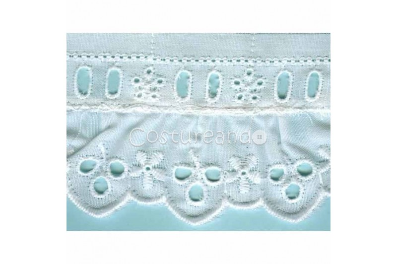 LIGHT CREAM / WHITE  RUFFLED EYELET EMBRODERY LACE 028