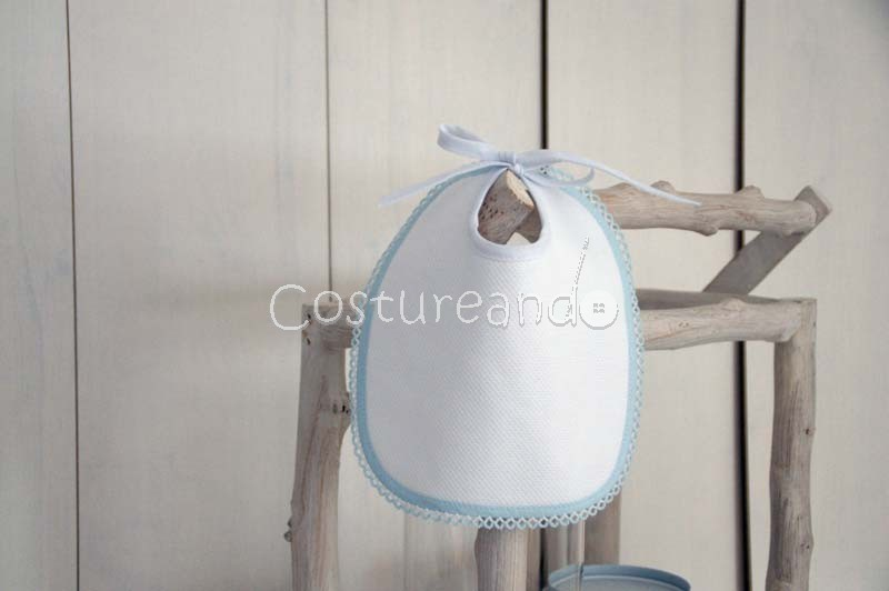 WHITE  PIQUE BIB WITH BLUE PICOT EDGE