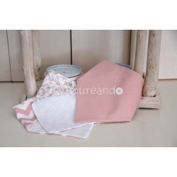 PLAIN PINK TRIANGLE BIB