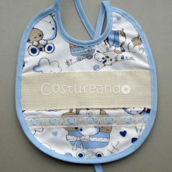 BABY BIB WHITH  PANAMA WEAVE AND EMBROIDERY LACE BABY MOTIF