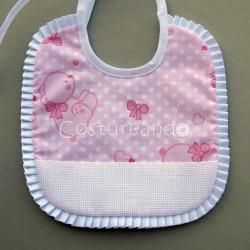 PRINTED BEARS  BABY BIB WITH PANAMA BOX PLEAT TRIM EDGING