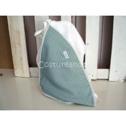 GREEN DOTS LINEN   BABY HOODED TOWEL